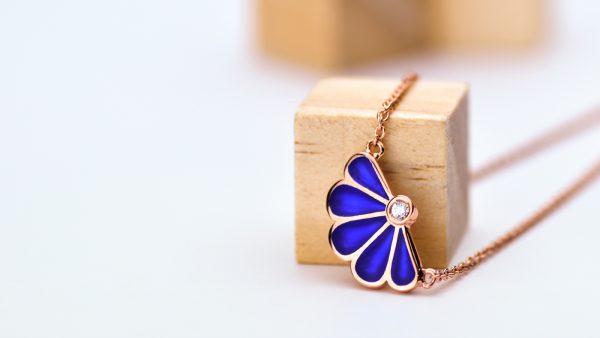 Fan Collana Blu
